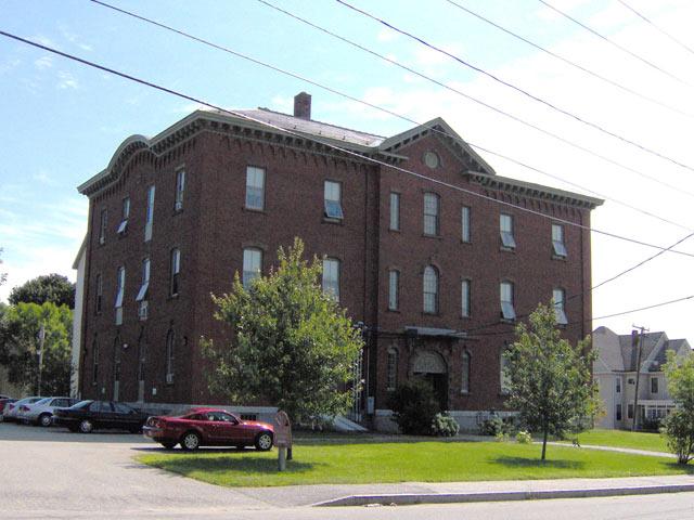 Apartment Rentals : Frye School Housing